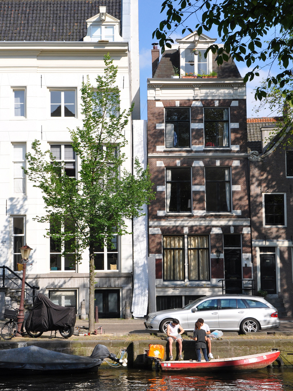 Tussen-ruimte #1, Herengracht 127-129. Photo: Office Jarrik Ouburg