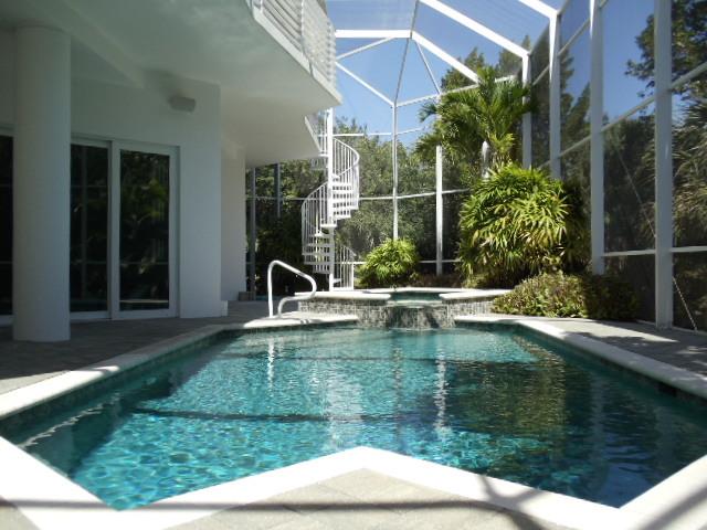 Minimalist contemporary zen like beach home tony for Pool zen spa