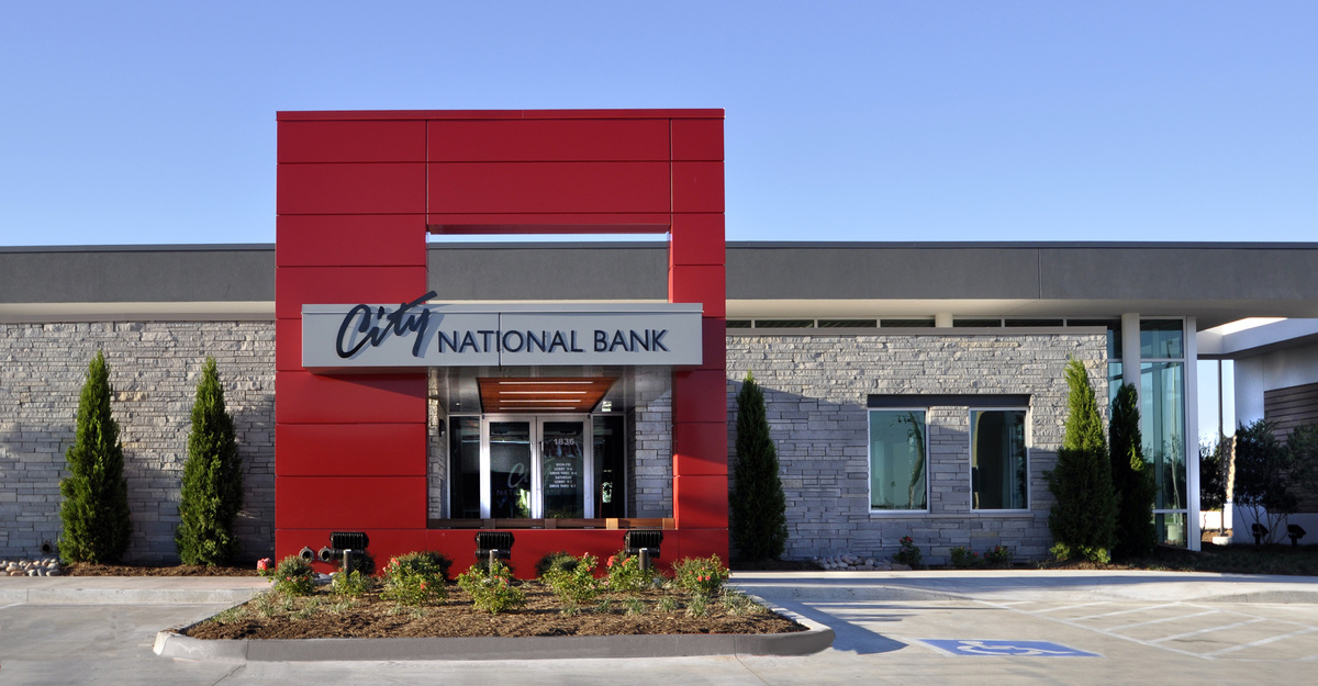 city national bank hours