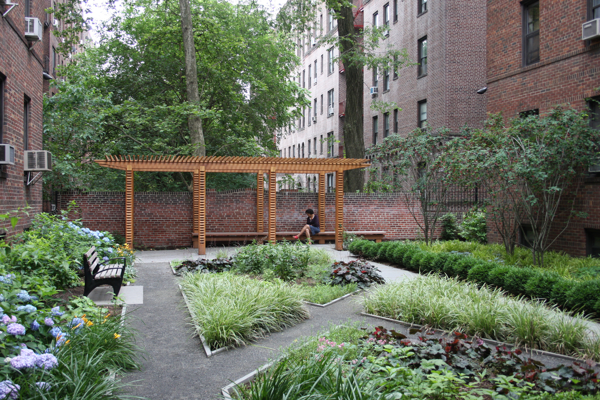 Fillmore hall todd rader amy crews architecture for Courtyard landscape architecture