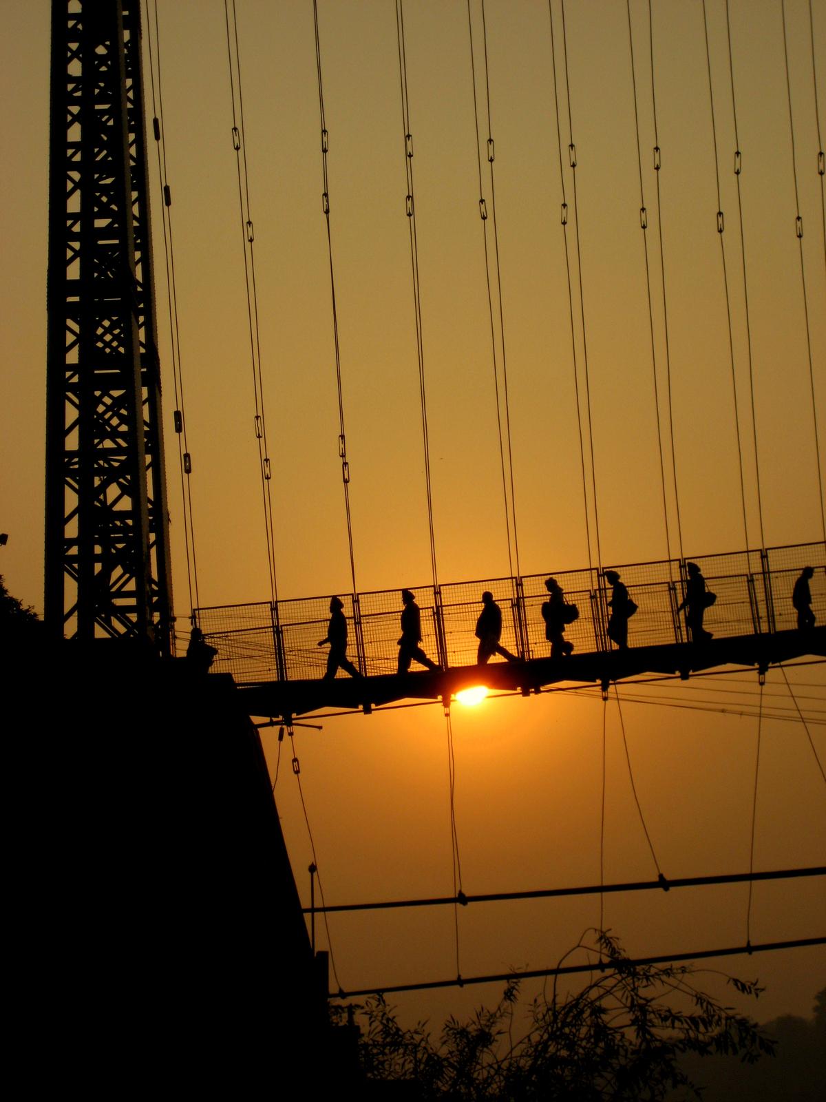 Suspension, Rishikesh, India