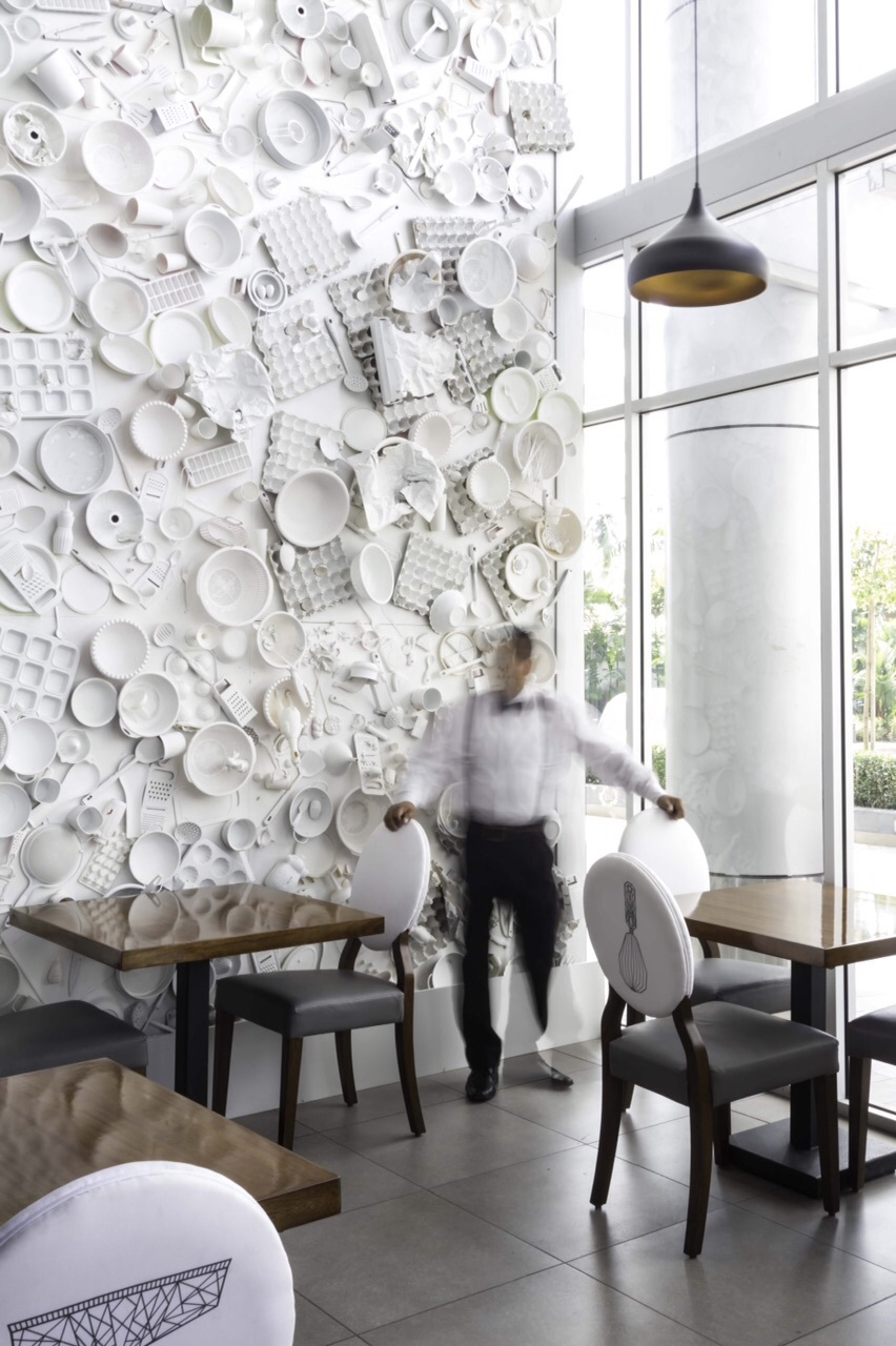 Dyanon bistro jannina cabal archinect for Wall design for restaurant