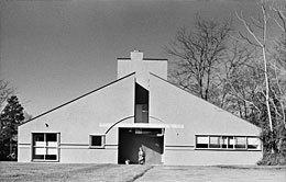 Vanna Venturi House Chestnut Hill, Pennsylvania Robert Venturi, 1964