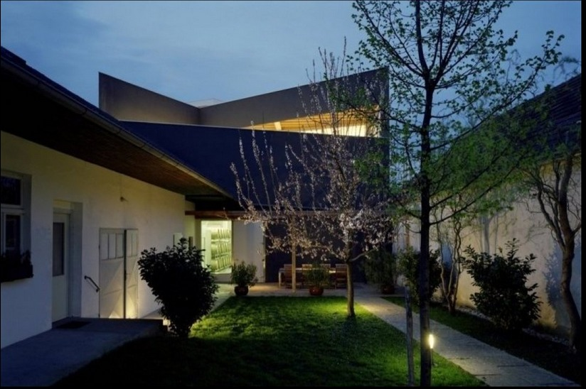 Erich Sattler Winery image via Architects Collective.