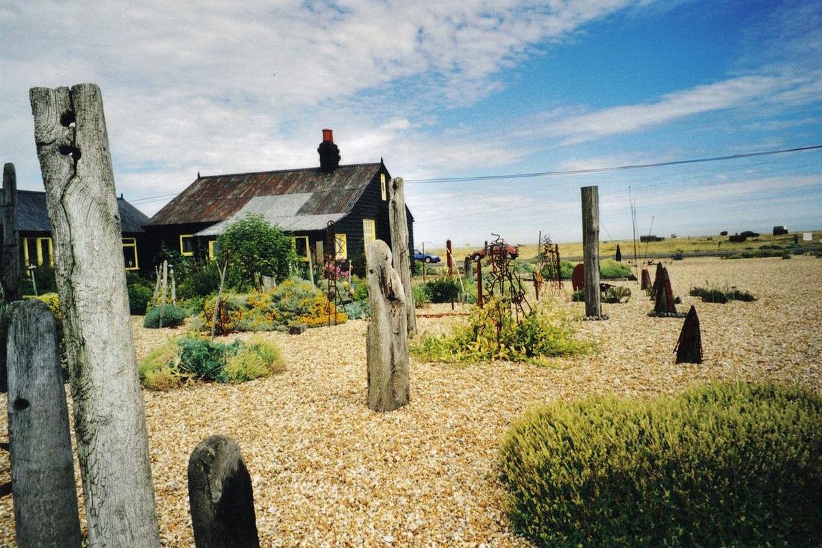 Derek Jarmans Prospect Cottage. Image via Wikimedia.