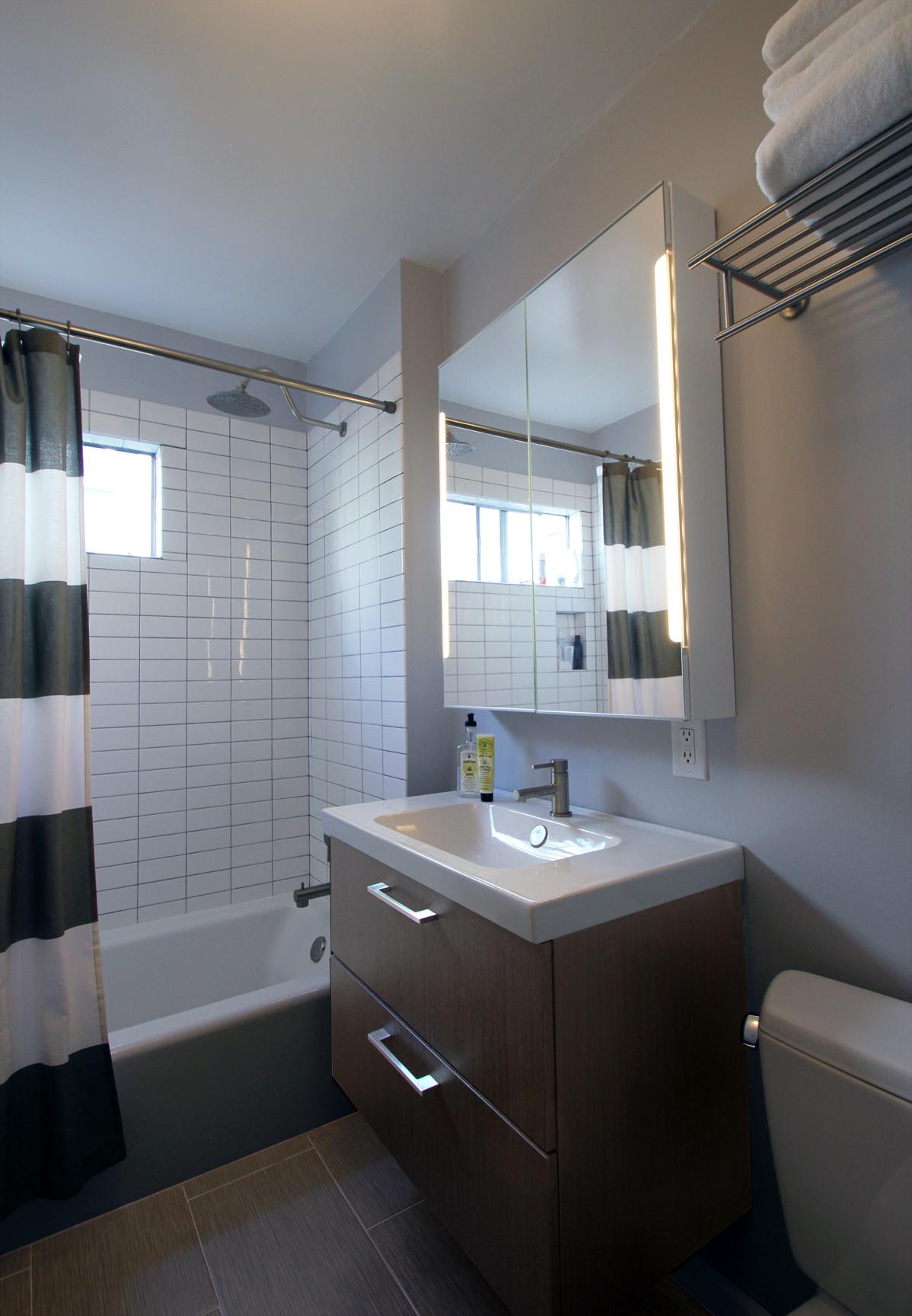 Santa monica kitchen bath renovation clarice zusky for Kitchen and bathroom renovations