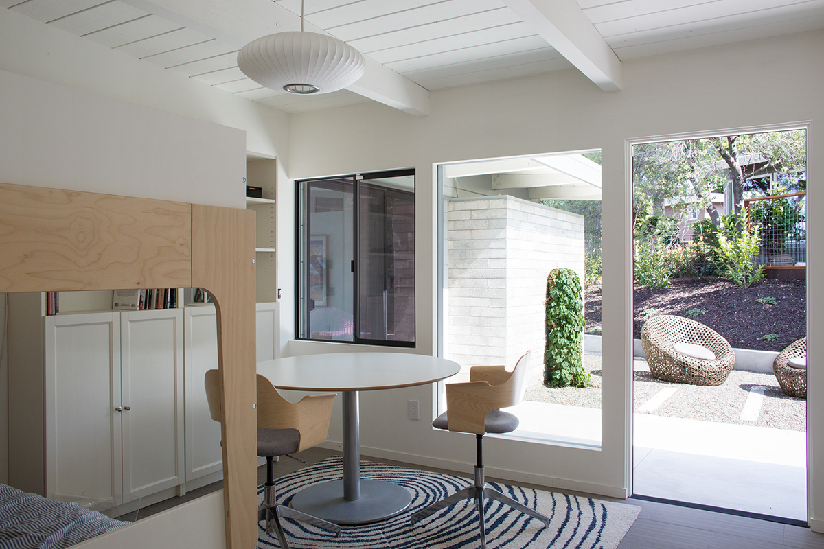 Mid entury Modern View House emodel by Klopf rchitecture ... - ^