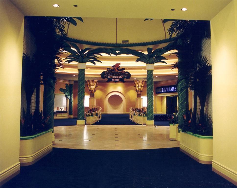 Isle of Capri Hotel Casino - Tunica Theater Entrance