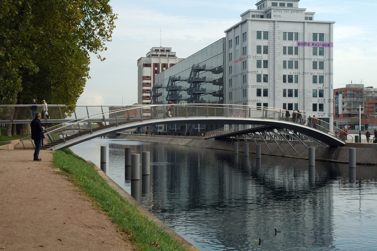 3 footbridges strasbourg dfa dietmar feichtinger architectes archinect. Black Bedroom Furniture Sets. Home Design Ideas
