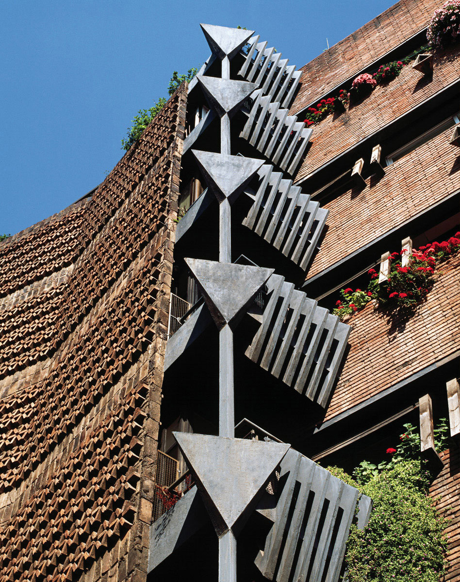 Bach 4 Apartments in Barcelona, Spain by Ricardo Bofill Taller de Arquitectura