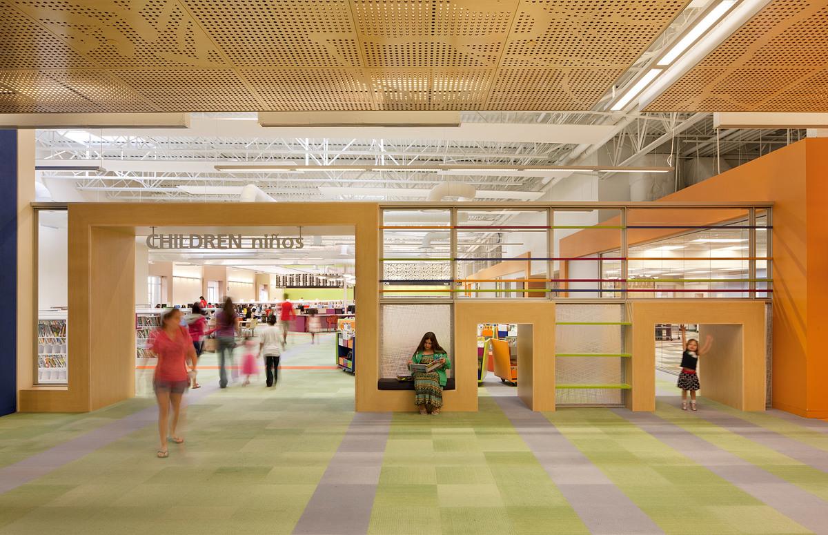 McAllen Main Library; McAllen, TX (Photo: Swimmer)