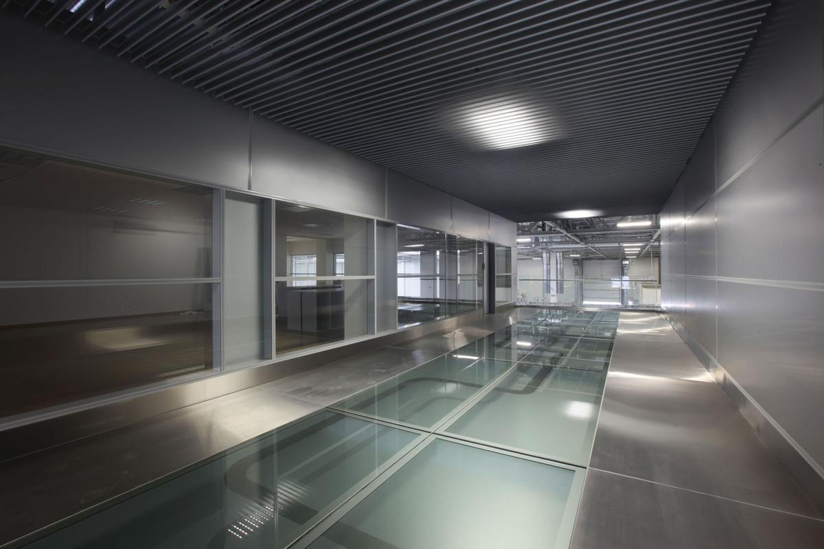KMS Interior - bridge