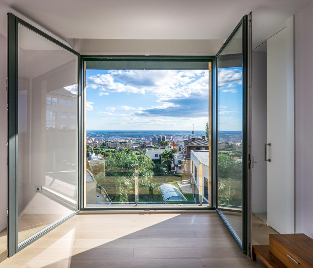 Bedroom views - E House