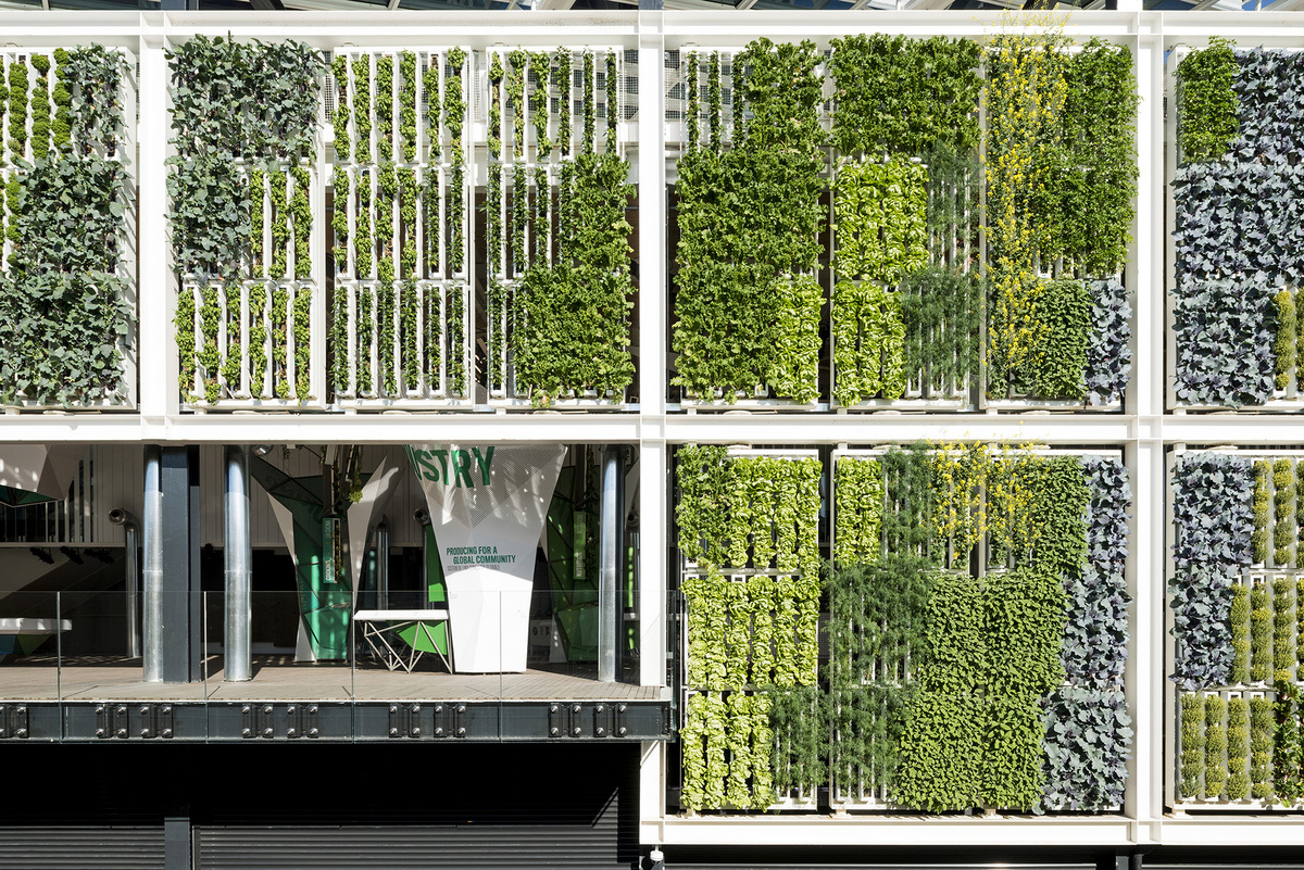 Ten top images on archinect 39 s biophilia pinterest board for Garden design milano