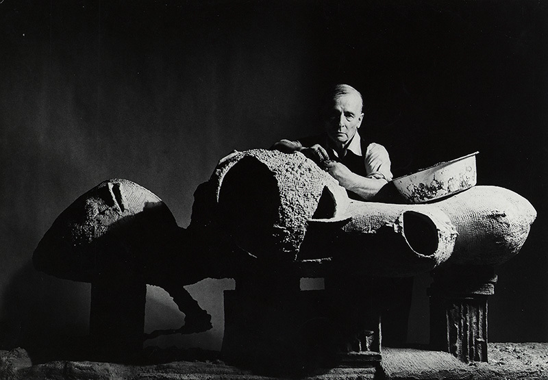 Frederick Kiesler with a model for an Endless House, New York 1959