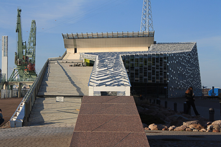 The wave of the Vellamo Maritime Museum of Finland in Kotka 2008