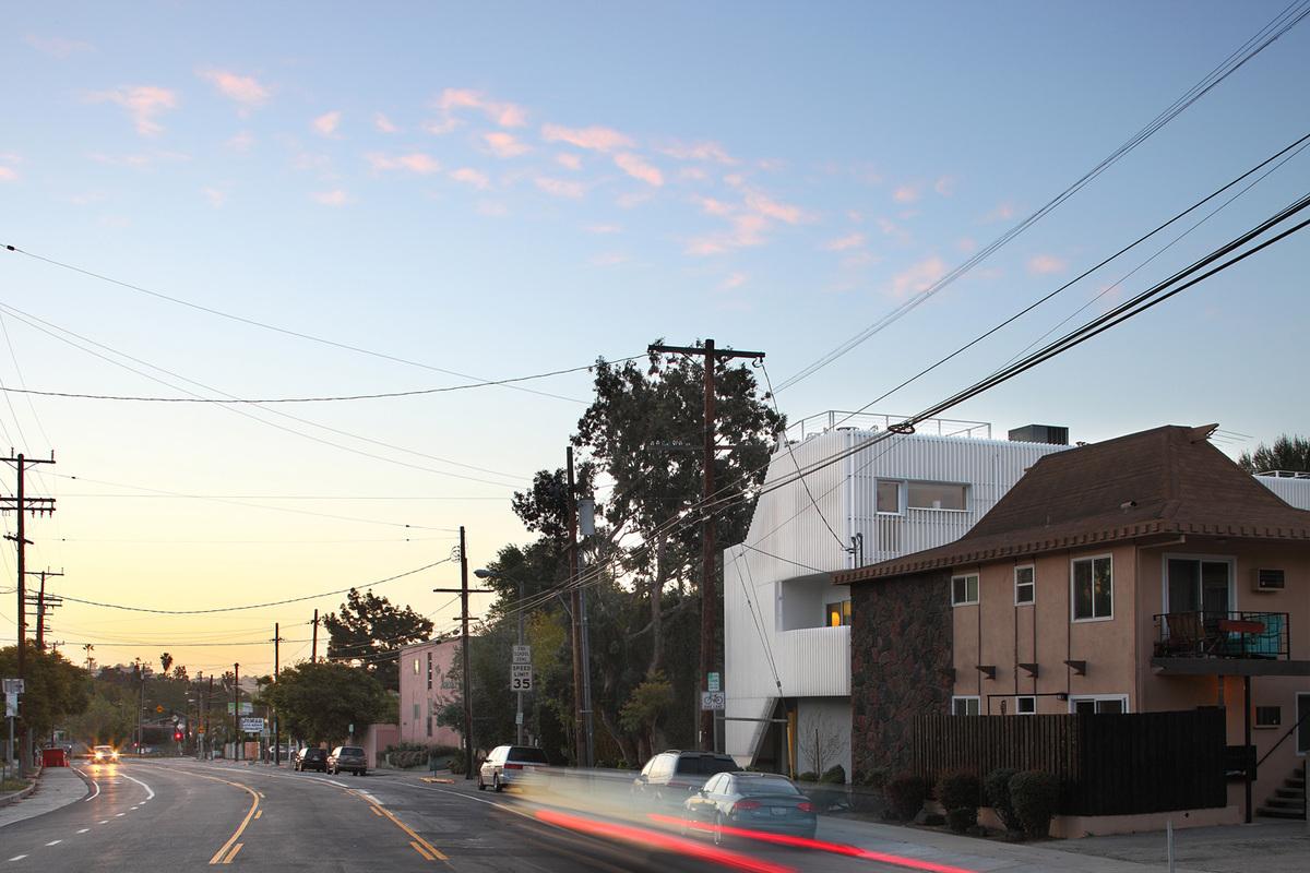 Buzz Court Homes, Los Angeles, CA, Architect: Heyday Partnership © Nico Marques/Photekt
