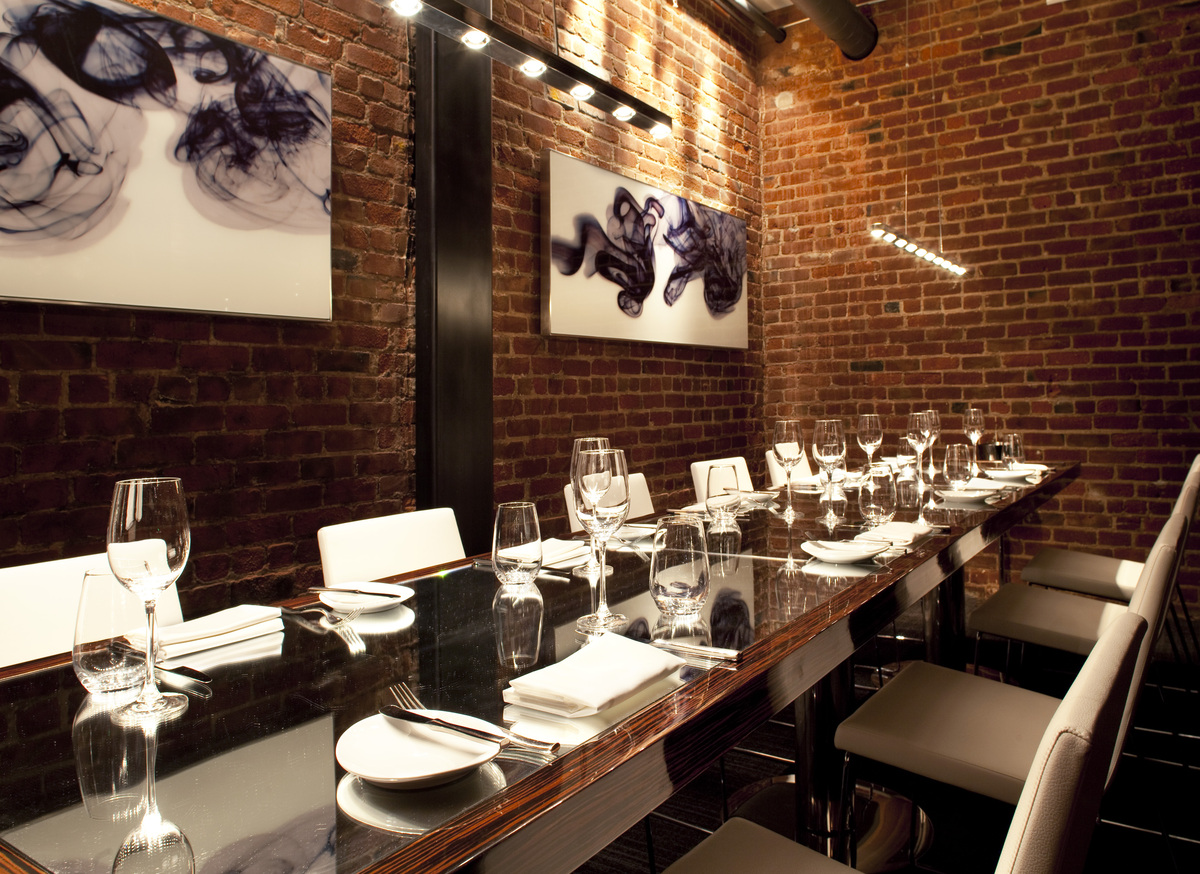Modern restaurant table setting - Private Dining