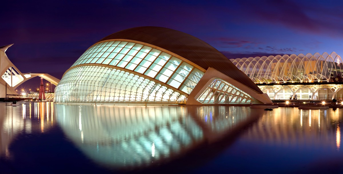 Santiago calatrava wins the european prize for for Art et architecture