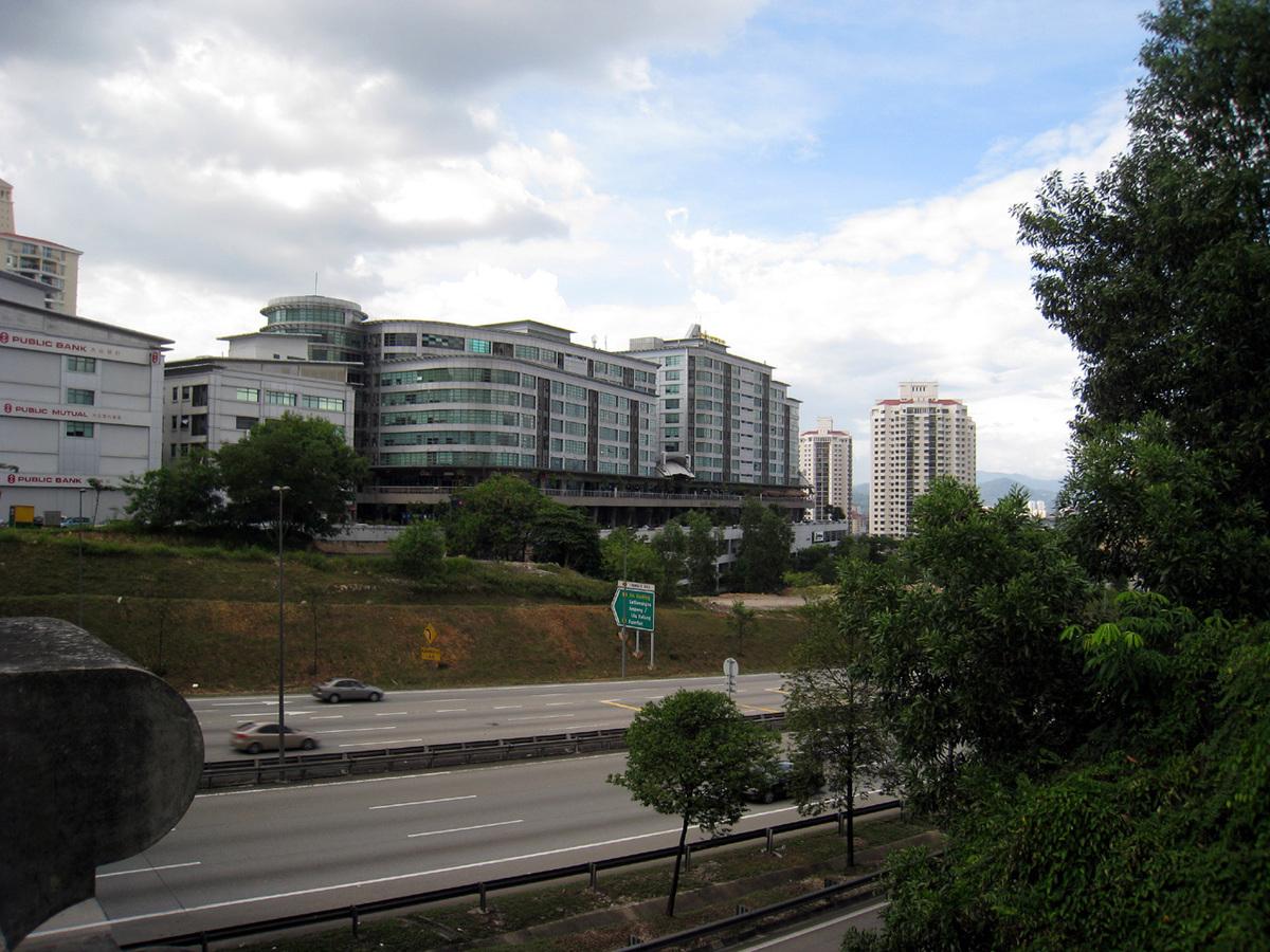 Solaris Mont Kiara - oblique view of long side