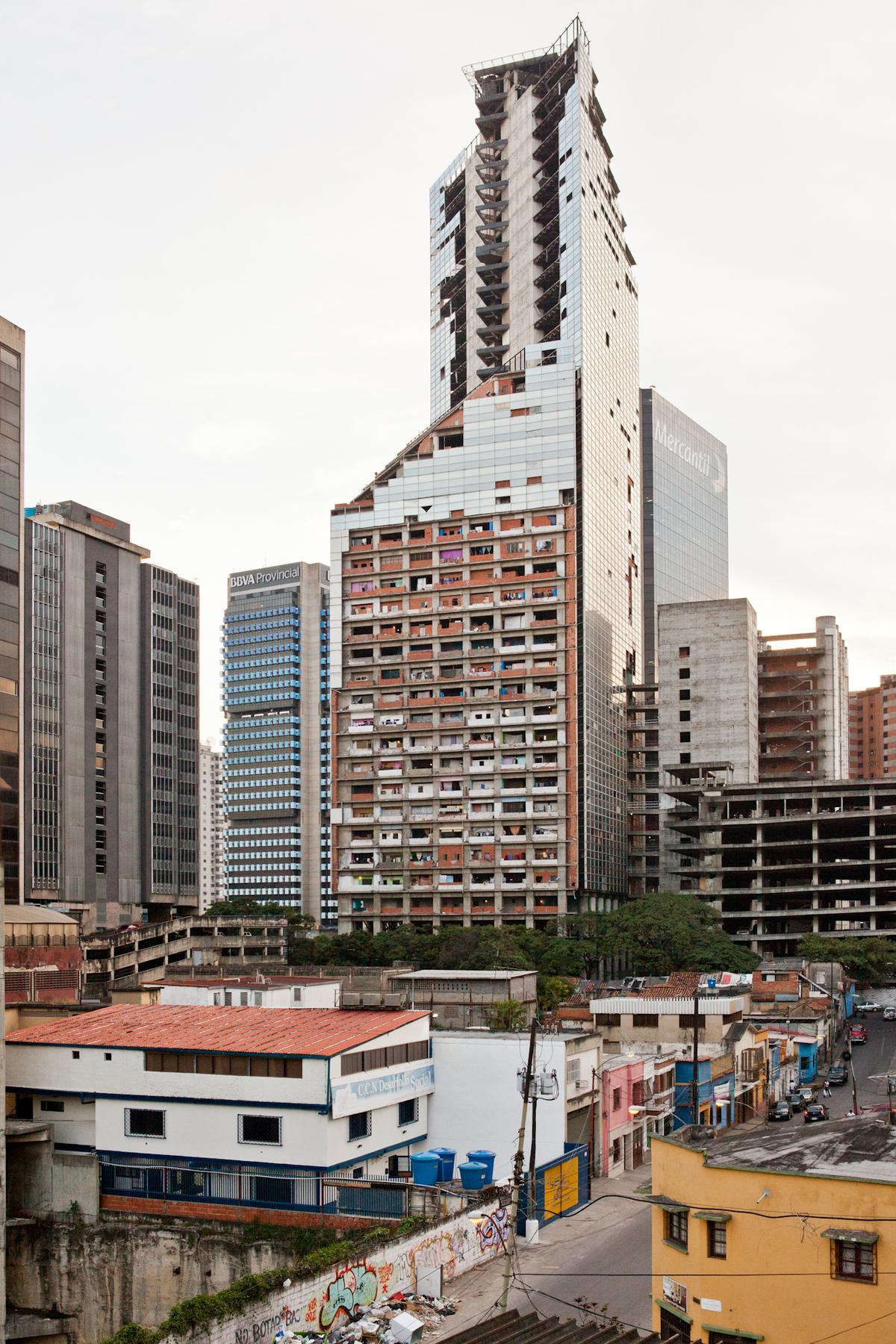 Caracas Torre David. Credit U-TT / Daniel Schwartz.