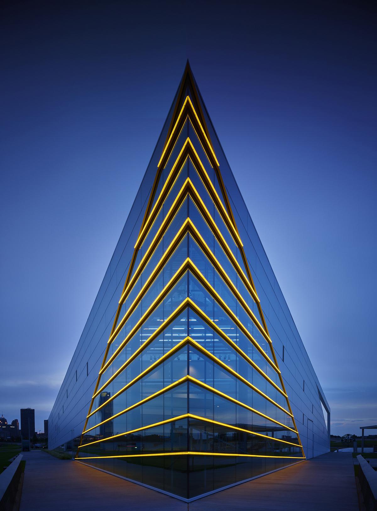 Chk central boathouse elliott associates architects for Linear architecture design
