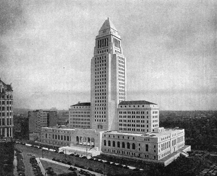 1931 photograph of then new City Hall with the now-demolished 10-story International Savings Bank to the immediate left