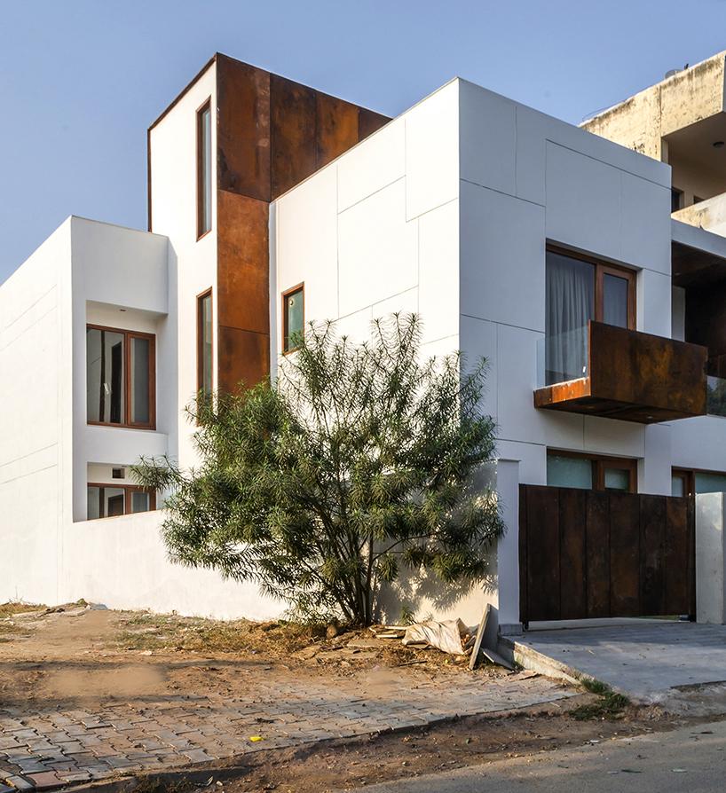 Primera House by r+d studio