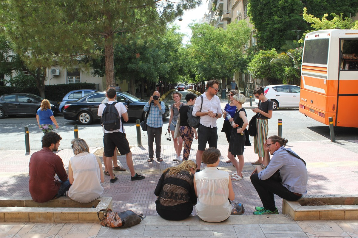 Class meeting in Athen's street, Urban School Ruhr Credit Photo: Joanne Pouzenc