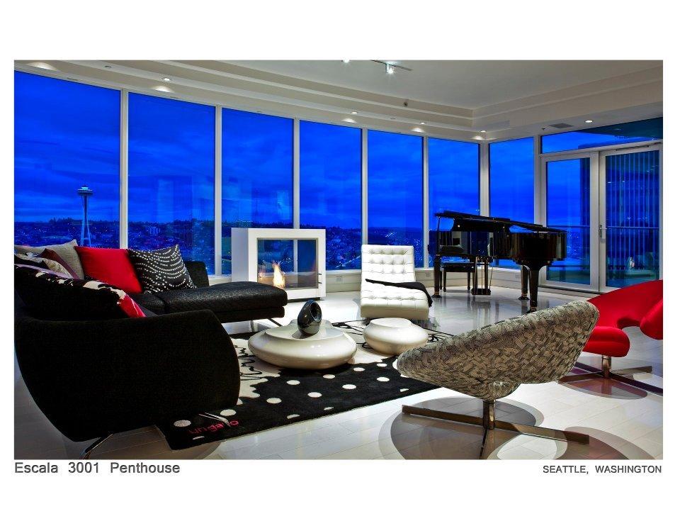 piano & sitting area