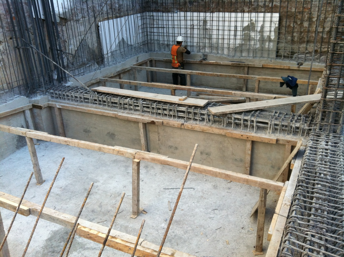 foundation+cistern for water storage