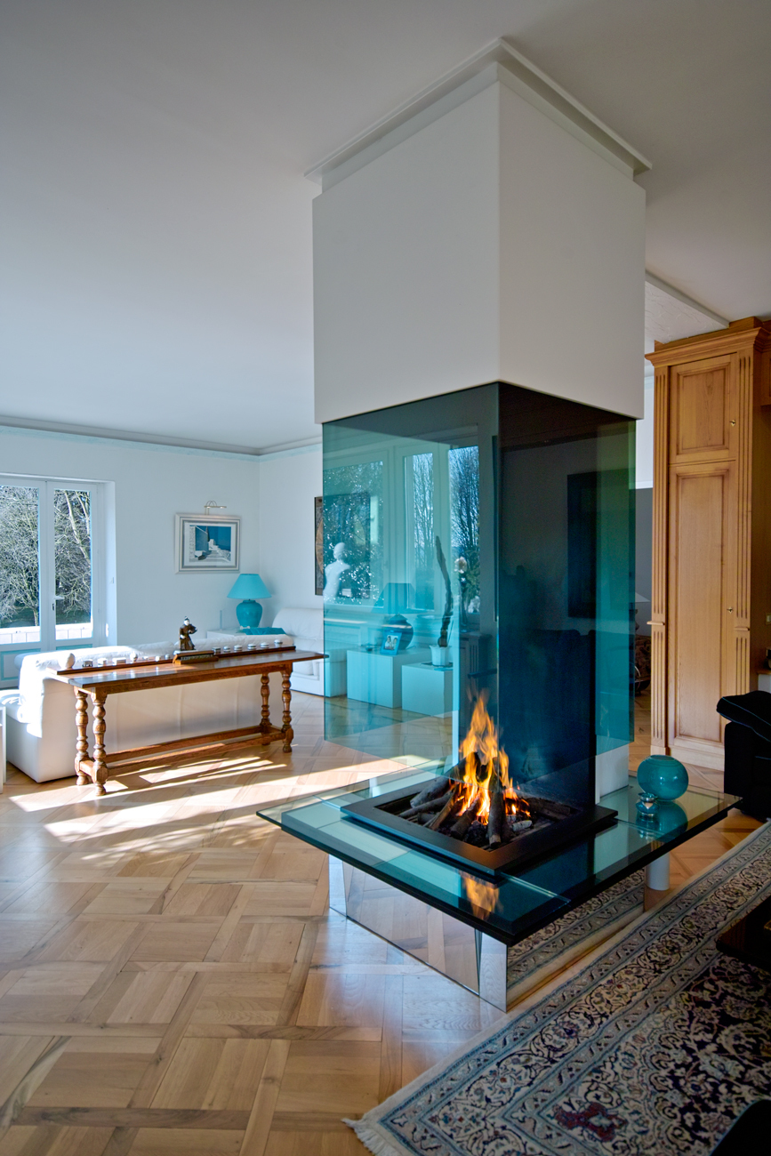 contemporary fireplace chemin e contemporaine bloch. Black Bedroom Furniture Sets. Home Design Ideas