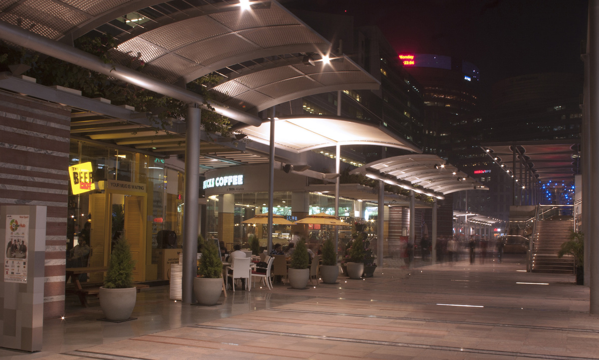 Kiosks in north side of promenade