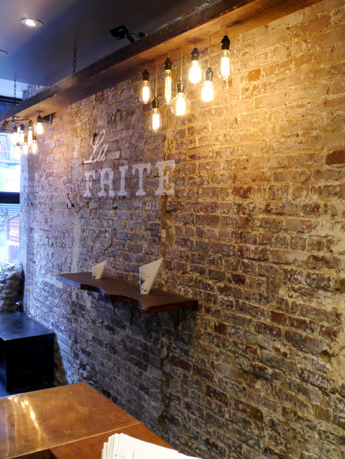 24 wonderful interior brick wall lighting for Interior brick wall designs