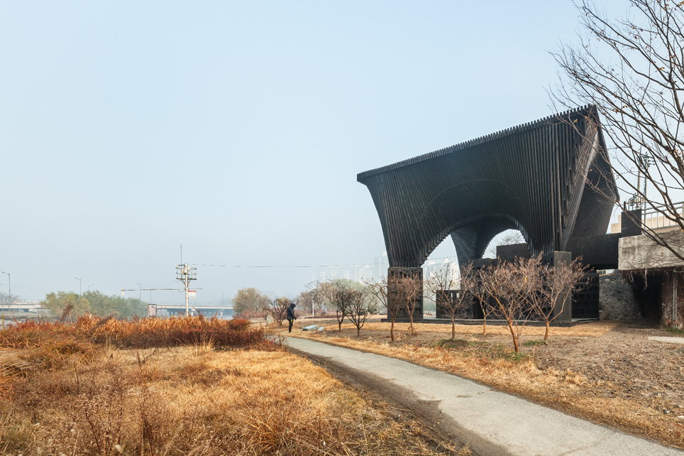 David Adjaye and Taiye Selasis Gwangju River Reading Room, image credit Kyungsub Shin.
