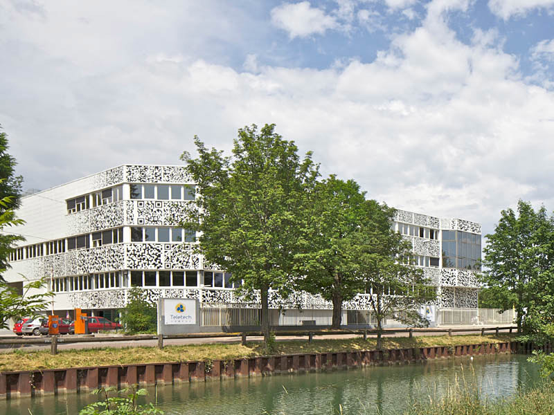 MVRDV Dijon Teletech Campus with QR flashcode facade (Photo: Philippe Ruault)
