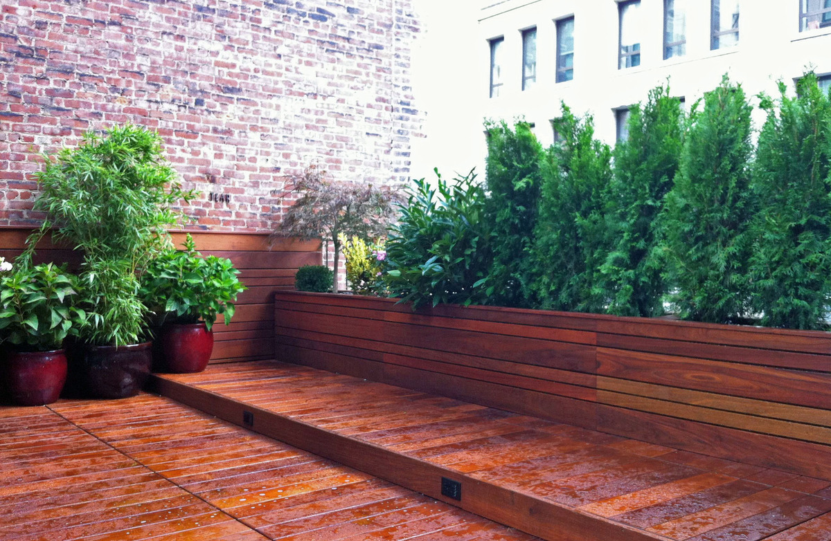 Nyc landscape design gramercy park rooftop terrace for Images of garden decking