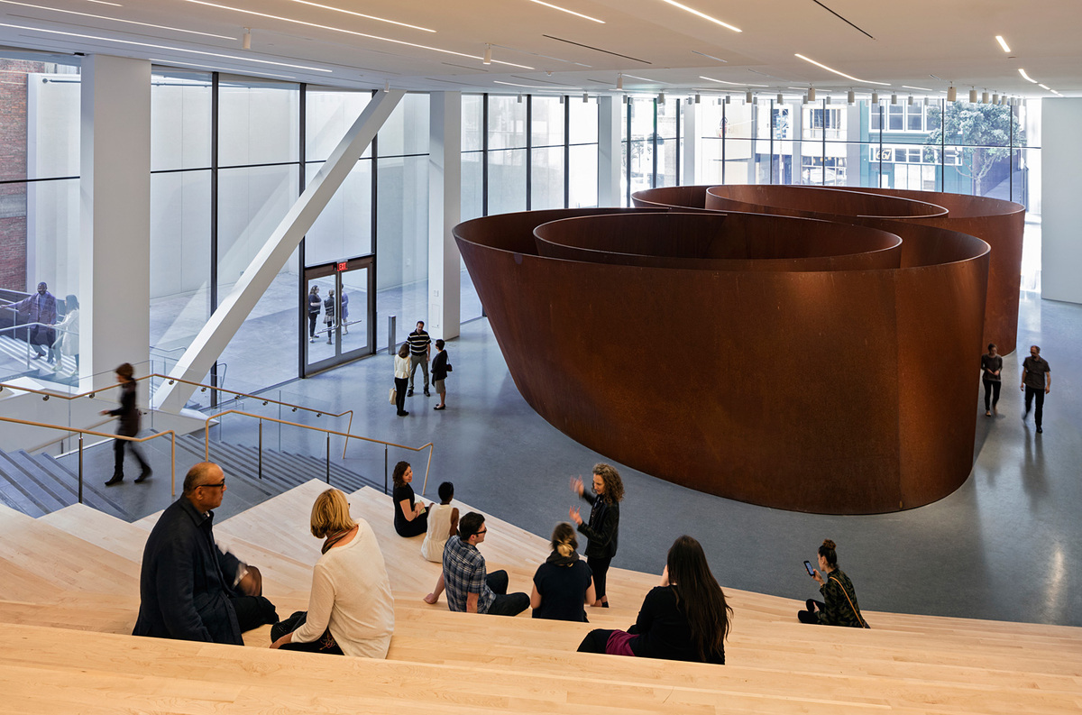 Roberts Family Gallery featuring Richard Serra's Sequence (2006); photo: © Henrik Kam, courtesy SFMOMA.