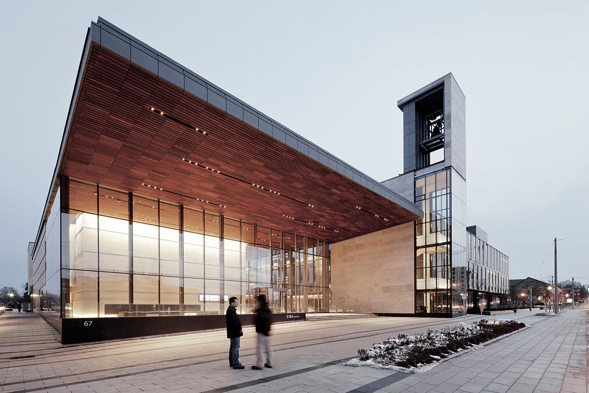 Balsillie School of International Affairs, CIGI Campus, Canada - Kuwabara Payne McKenna Blumberg Architects (Photo: Maris Mezulis)