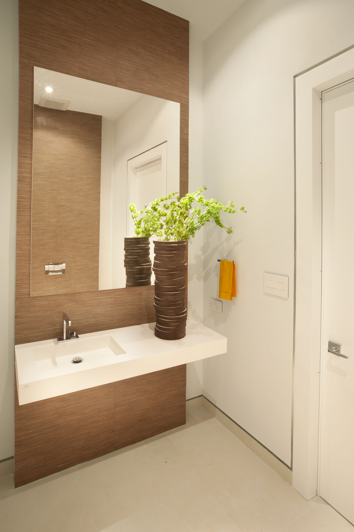 Powder room - Miami Interior Design