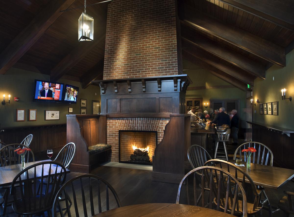 Bar & Grill Room