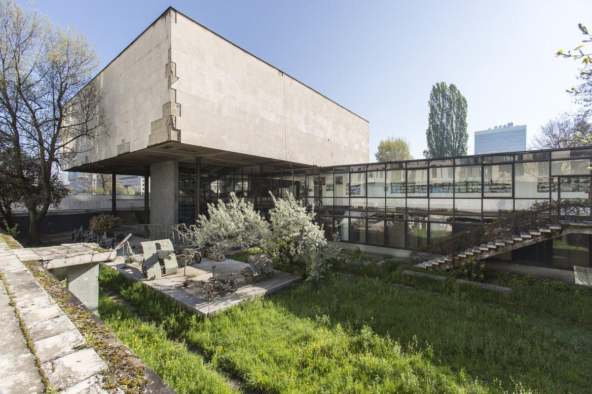 The overgrown courtyard of the Historical Museum, 2016. © Daniel Schwartz/U-TT at ETH