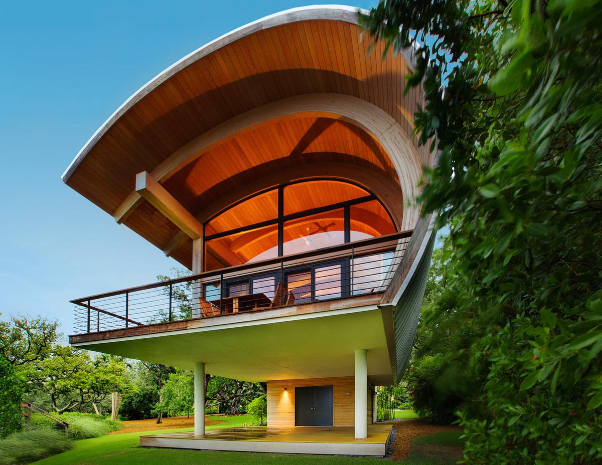 Casey Key Bay House in Casey Key, Florida by Sweet Sparkman Architects