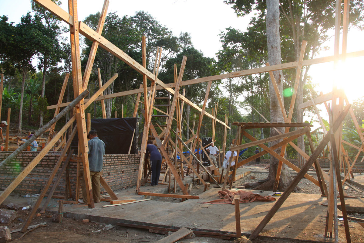 Wood construction coooming up (Photo: Zifeng Wei)
