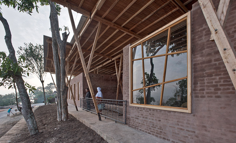 Front facade (Photo: Pasi Aalto / pasiaalto.com)
