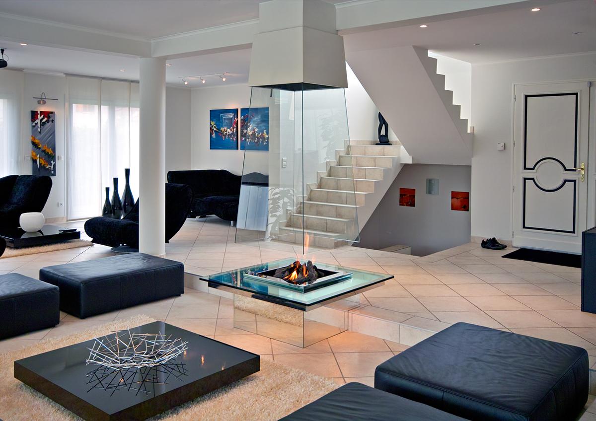 Bloch Design central fireplace