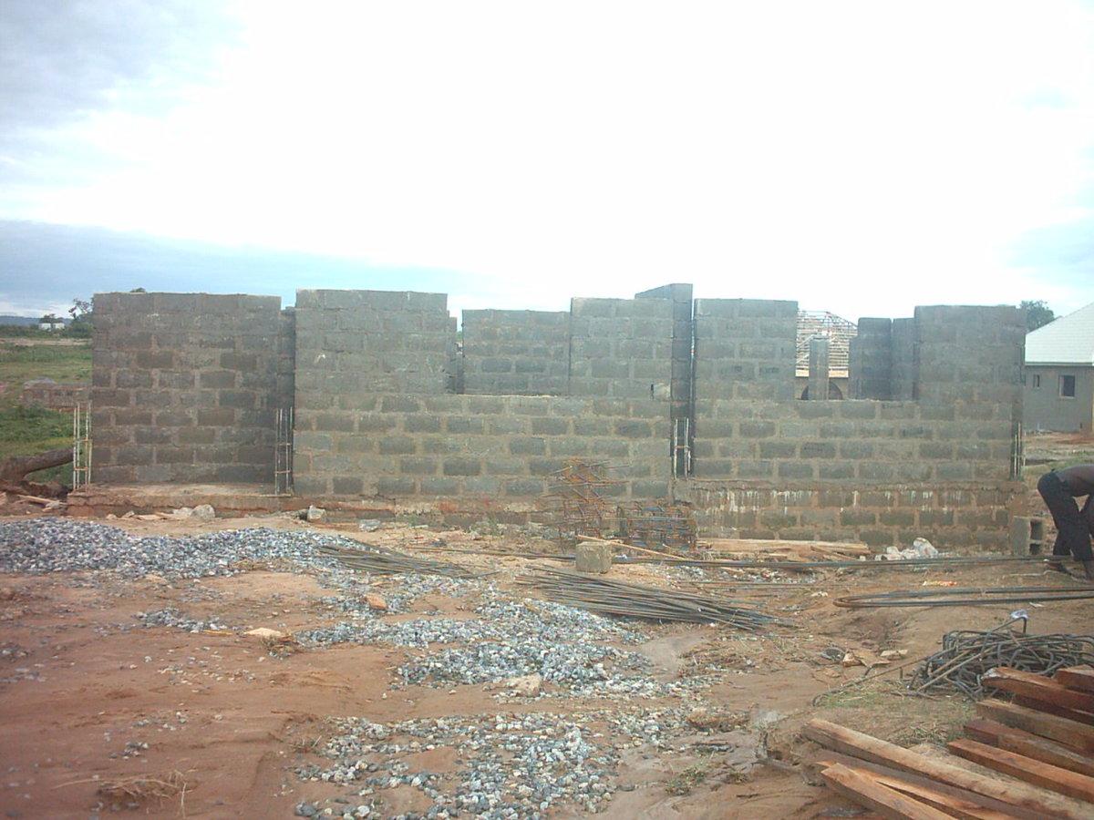 Block work using concrete.