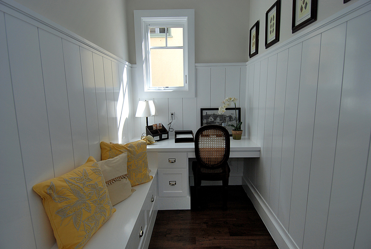 Pantry / Desk