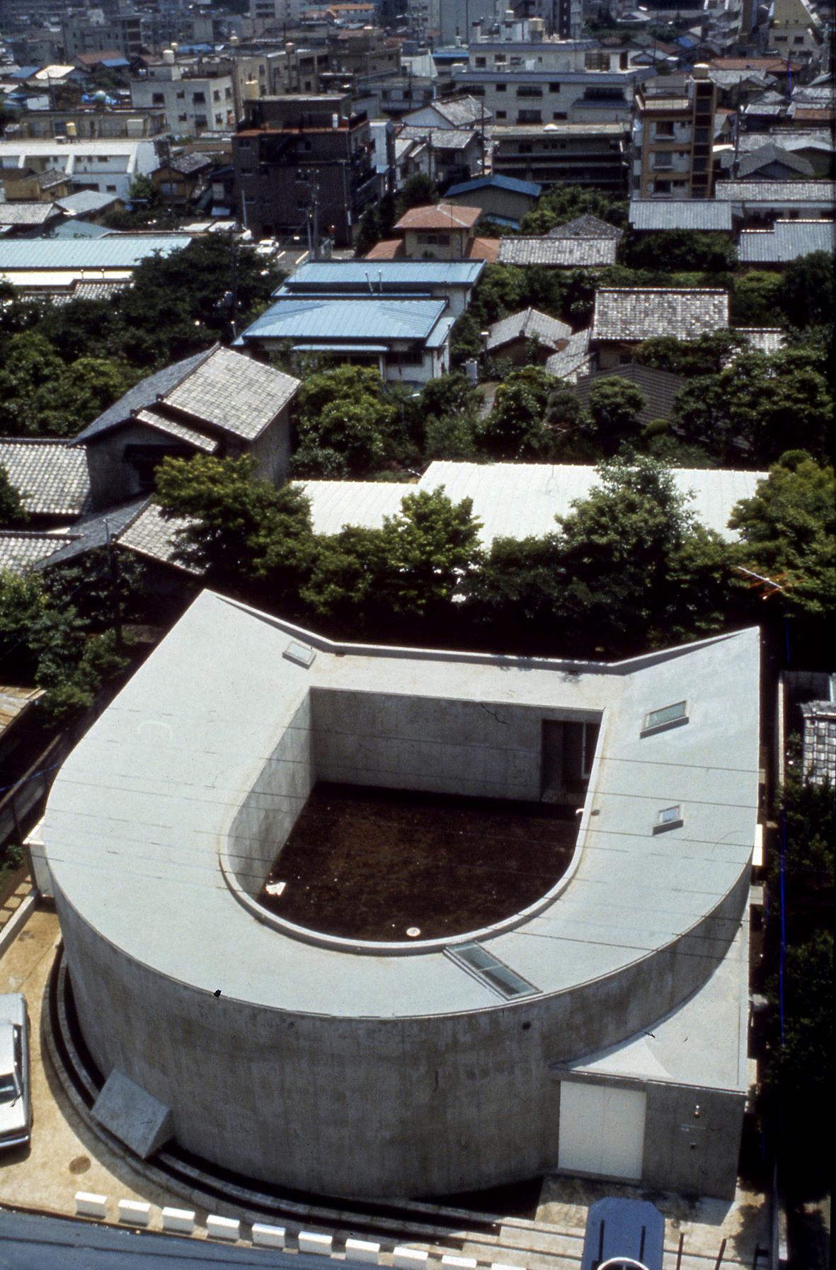White U (house), 1975—76, Nakano-ku, Tokyo, Japan Photo by Koji Taki