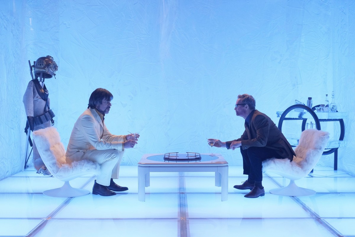 Bill Irwin as Cary Loudermilk and Jemaine Clement as Oliver Bird in the Astralplane, Chapter 7.